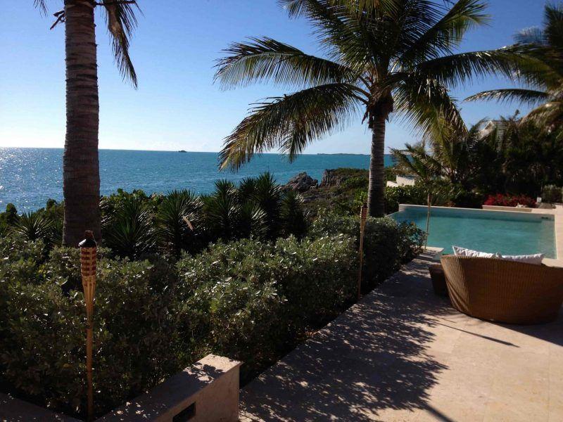 Hermosas casas con piscinas infinitas y llenas de comodidades esperan por ti en la hgermosa isla del Caribe Turks and Caicos