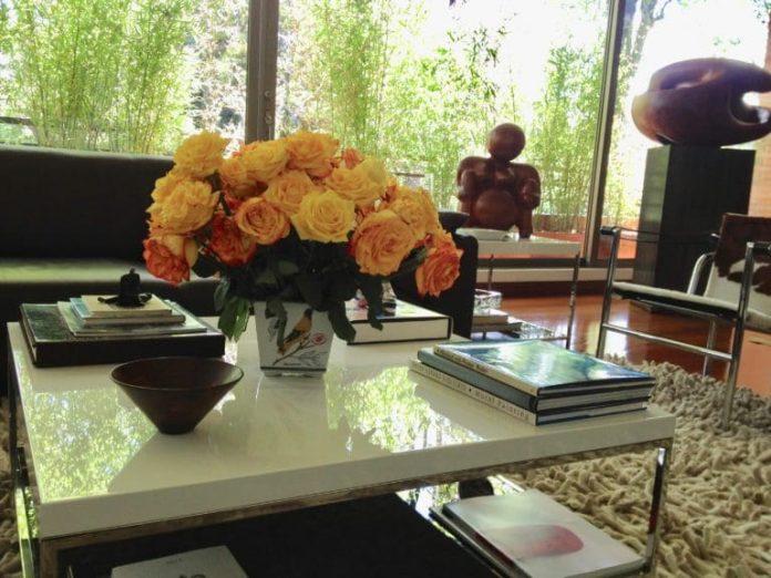 Las flores embellecen y refrescan la mesa