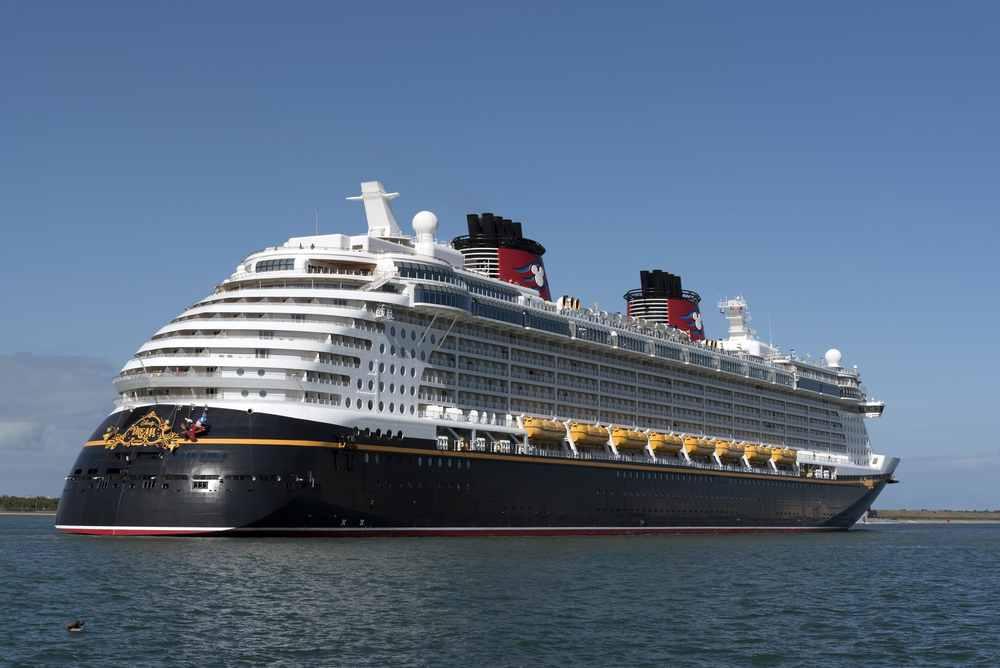 En vacaciones Disney Cruises ofrece una experiencia llena de diversión y muchas actividades para niños y adultos.