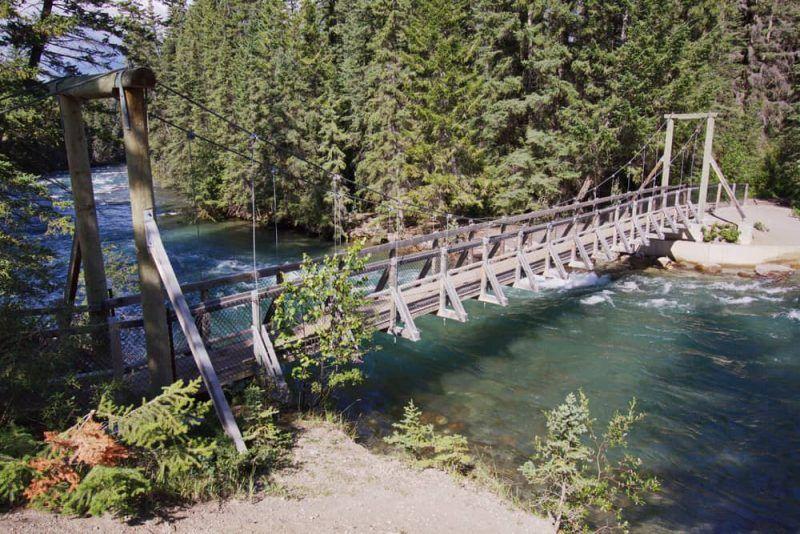 Unas vacaciones en Alberta, Canada, disfrutando de las bellezas de sus paisajes y de hacer caminatas en Jasper National Park, será una experiencia inolvidable para ti y tus niños.