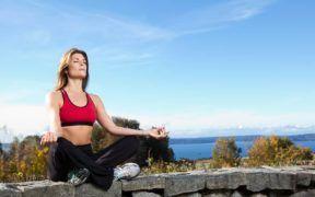 Yoga es una disciplina ideal para mantener el balance emocional y físico.