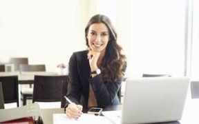 Una mujer ejecutiva y exitosa sabe que su cuidado personal merece una especial atención.