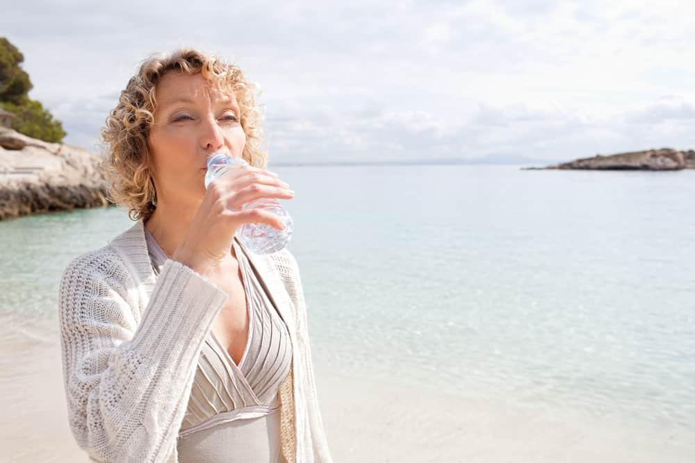 El agua es la formula mágivca para lucir una piel hidratada