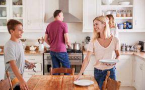 Es importante incluir a los adolescentes en las actividades diarias del hogar