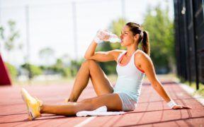 Mantenerte hidratada ayuda a que el sistema inmune está elevado.