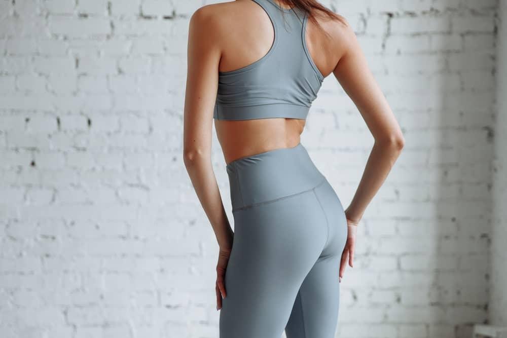 Escoge el top y el pantalón de hacer ejercicio según la forma de tu cuerpo