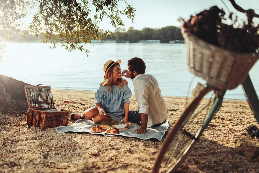 El fin de la pareja es lograr la felicidad juntos. Cuando se presenten problemas en el matrimonio, trata de solventarlos y seguir adelante.