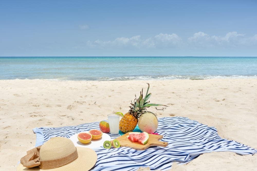En la playa, en casa, si vas a ejercitarte lleva un jugo detox para nutrirte y regalarte salud y bienestar.